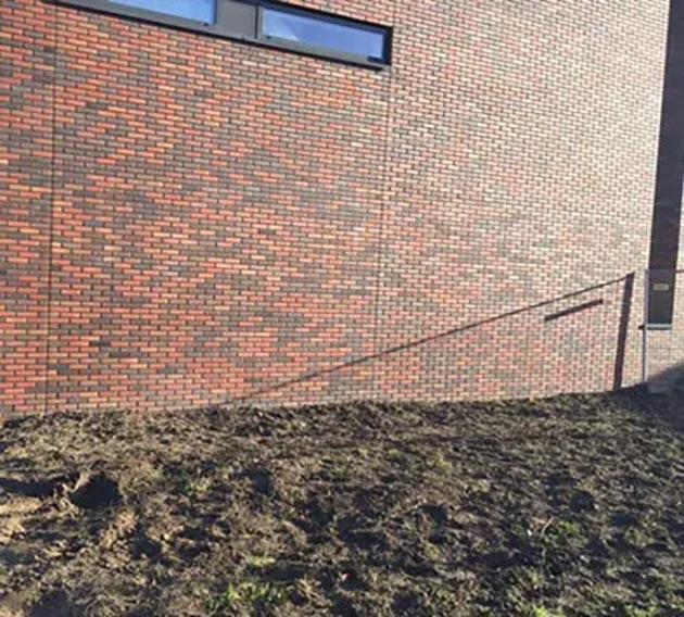 Graffiti verwijderen - VvE de Waker Tiel 2